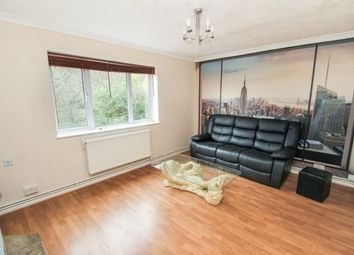 Thumbnail 3 bedroom flat to rent in Rivenhall Gardens, South Woodford, London