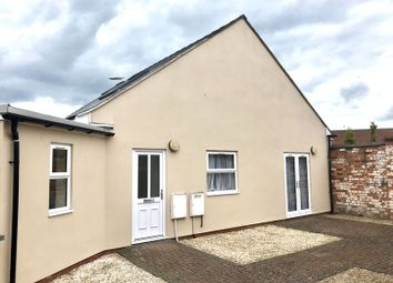 2 bed detached house to rent in Stroud Road, Linden, Gloucester GL1