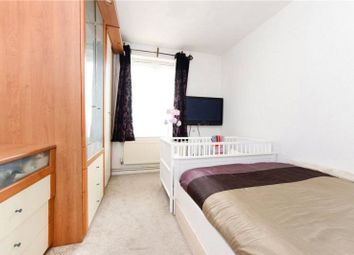 Thumbnail 4 bed flat to rent in Frampton Park Road, London Fields, Hackney