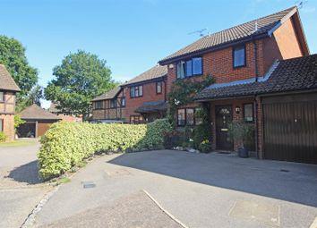 Shelleys Court, Manor Fields, Horsham RH13. 3 bed link-detached house