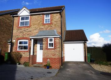 Thumbnail 3 bed link-detached house to rent in Pindar Place, Newbury