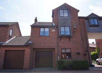 Thumbnail 2 bed town house for sale in Browns Orchard, Grimsby