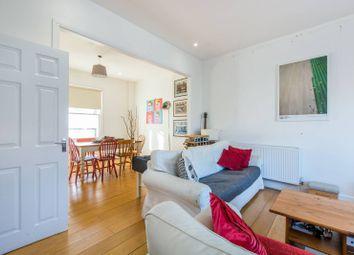 Thumbnail 4 bed flat to rent in Taybridge Road, Clapham