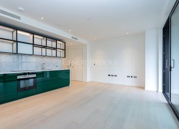 Thumbnail 1 bed flat to rent in The Wardian East Tower, Marsh Wall, Canary Wharf