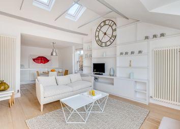 Thumbnail 2 bed flat to rent in Pembridge Crescent, London