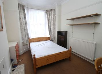 Thumbnail 3 bed property to rent in Beaconsfield Road, Leicester