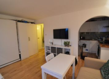 Thumbnail Studio to rent in Discovery Walk, Wapping