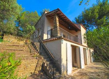 Thumbnail 3 bed villa for sale in Bormes-Les-Mimosas, Var, France