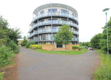 Thumbnail 2 bedroom flat to rent in Fieldfare Lane, Greenhithe