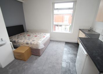 Thumbnail Barn conversion to rent in Noster Terrace, Beeston, Leeds