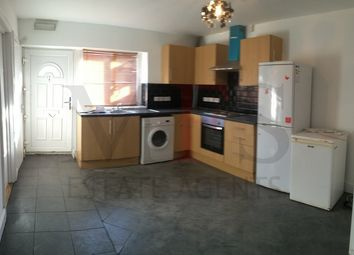Thumbnail 2 bed bungalow to rent in Hanworth Road, Hounslow