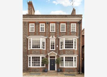 Thumbnail 6 bedroom terraced house for sale in Mulberry Walk, Chelsea