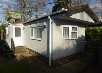 Thumbnail 1 bed mobile/park home for sale in Fangrove Park, Lyne, Chertsey