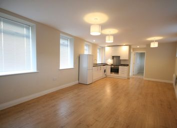 Thumbnail 2 bed flat to rent in Sunnyside Road, Chesham