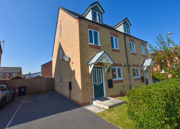 Thumbnail 3 bed town house for sale in Poplar Court, Penyffordd, Chester