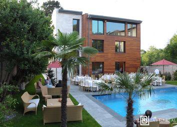 Thumbnail Villa for sale in Yalıboyu Caddesi, Beylerbeyi, Üsküdar, Istanbul, Marmara, Turkey