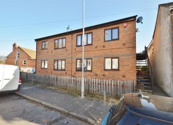 Thumbnail 2 bed flat for sale in Winsdon Road, Luton