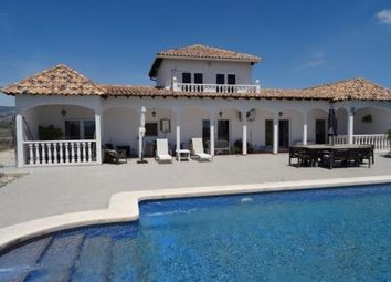 Thumbnail 5 bed villa for sale in Spain, Valencia, Alicante, Pinoso