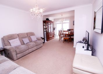 Fern Lane, Hounslow TW5. 2 bed bungalow