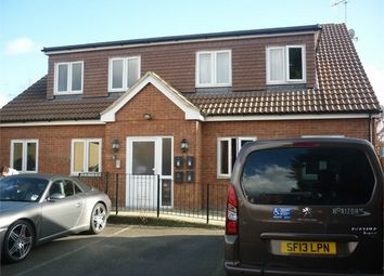 Thumbnail 2 bedroom flat to rent in Rylands Road, Southend-On-Sea, Essex