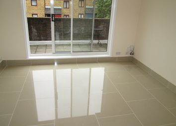 Thumbnail 3 bedroom flat to rent in Bredgar Road, Archway