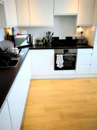 Thumbnail 2 bed flat to rent in Commercial Road, Southampton