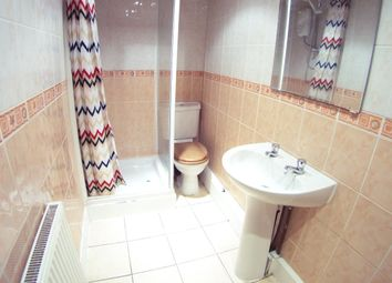 Thumbnail 6 bed shared accommodation to rent in Hessle Pl, Hyde Park, Leeds 1EU, Hyde Park, UK