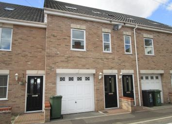 3 bed terraced house to rent in Back Chapel Lane, Gorleston, Great Yarmouth NR31