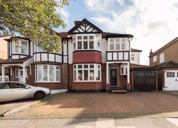 4 bed property for sale in Wynchgate, London N14