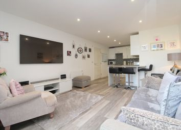London Road, Ashford TW15. 1 bed flat for sale