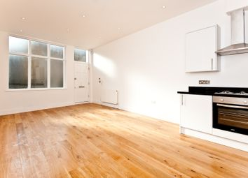 Thumbnail 1 bed flat to rent in Askew Road, Ravenscourt Park, London