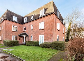 Thumbnail 1 bed flat to rent in Victoria Gardens, Berkshire