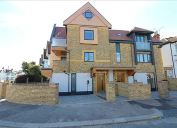 Thumbnail 2 bed maisonette for sale in Elm Road, Leigh-On-Sea