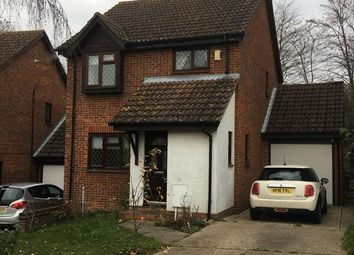 Thumbnail 3 bed detached house to rent in White Croft, Swanley