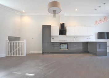 Thumbnail 3 bedroom flat to rent in Junction Road, Archway, London