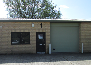 Thumbnail Warehouse to let in Hogwood Lane Industrial Estate, Finchampstead