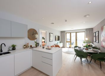 Thumbnail 2 bed flat for sale in Lionel Road South, Kew Bridge