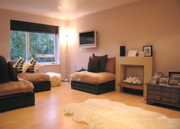 Thumbnail 2 bed flat to rent in Weimar Street, London