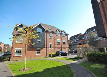 Thumbnail 2 bedroom flat to rent in Crown House, Kingfisher Way, Bishops Storford