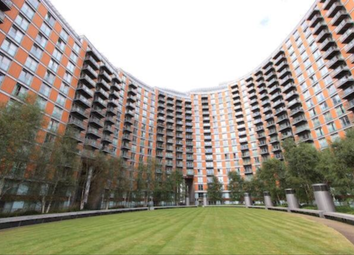 Thumbnail 2 bed flat to rent in New Providence Wharf, 1 Fairmont Avenue, Canary Wharf, Docklands, London