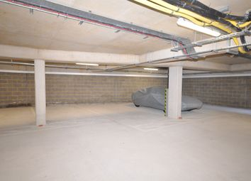 Thumbnail Property for sale in Castle Row, Horticultural Place, London