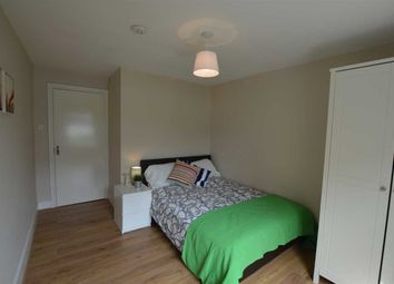 Thumbnail Room to rent in Mossbury Road, London