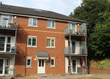 Thumbnail 2 bedroom flat for sale in Vipont Court, High Wycombe