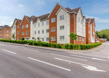 Thumbnail 3 bed flat for sale in London Road, Benfleet