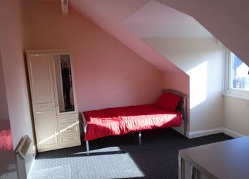 Thumbnail Studio to rent in Windsor Road, Town Moor, Doncaster