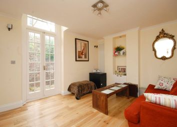Thumbnail 2 bed flat to rent in Heath Street, Hampstead