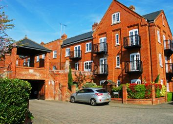 Thumbnail 2 bed property to rent in Malthouse Way, Marlow