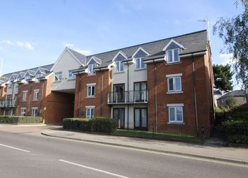 Thumbnail 1 bed flat to rent in Walsworth Road, Hitchin