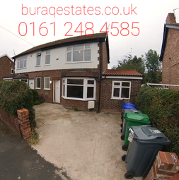 5 bed property to rent in Edgeworth Drive, Fallowfield, Manchester M14