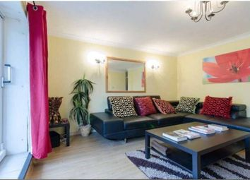 Robert Street, Docklands, London E16. 3 bed flat